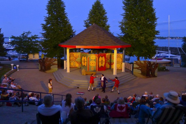 The famous Shakespearean Globe Theatre will perform the 'Globe to Globe Hamlet' here Aug. 2.