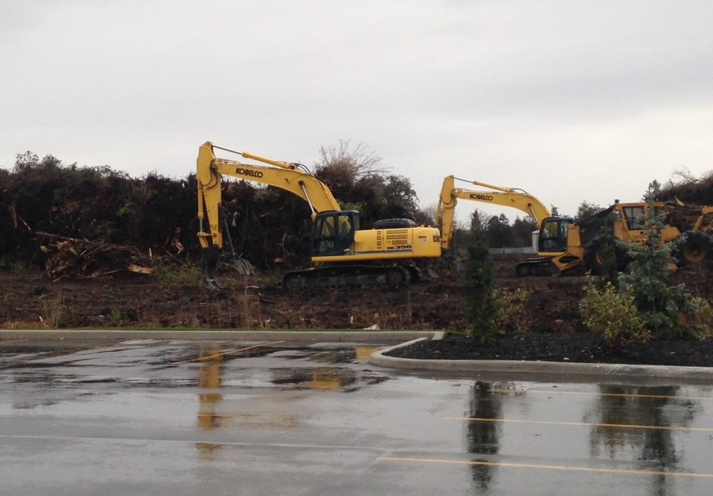 Construction on Bell Boulevard, one of the potential sites for a casino in Belleville. Photo by Mark Hodgins, QNet News