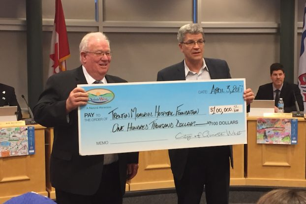 Mayor gives cheque to TMH